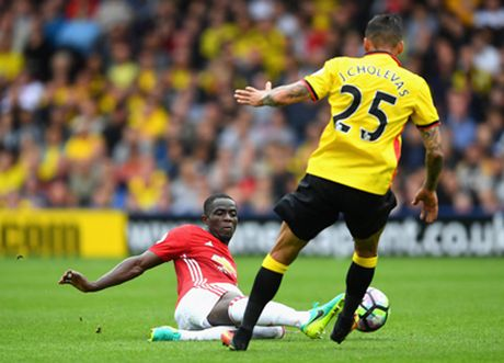 Man United: Eric Bailly la mot trung ve gan hoan hao, chi hoi nong voi - Anh 1