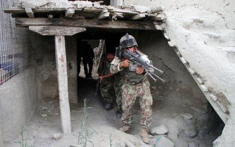 Afghanistan: Khung hoang nhan dao toi te o Kunduz sau giao tranh - Anh 1