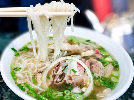 Pho Ha Noi lot vao top nhung mon an nhat dinh phai thu trong doi - Anh 1
