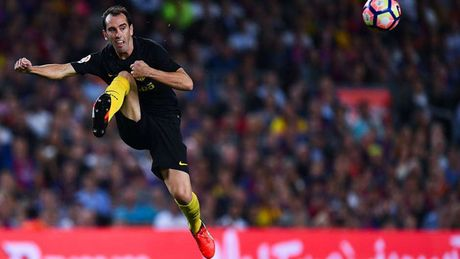 Doi hinh xuat sac nhat 5 giai VDQG chau Au: Vinh danh Balotelli - Anh 4