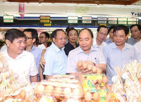 Thu tuong 'vi hanh' kiem tra thuc pham tai Thanh pho Ho Chi Minh - Anh 9