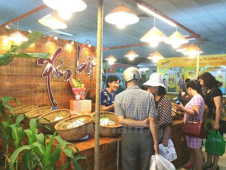 Hoi cho 'Thuc pham-Nong san sach' thu hut nguoi tieu dung Thu do - Anh 1
