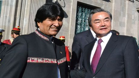 Trung Quoc ky thoa thuan cap tin dung moi va xoa no cho Bolivia - Anh 1