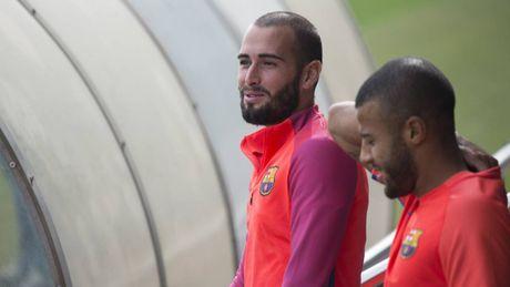 Mau thuan voi Enrique, Aleix Vidal muon roi Barca - Anh 1