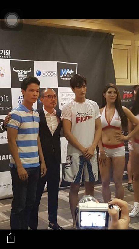 Sy Toan thuong dai voi dien vien Hau due mat troi - Anh 3