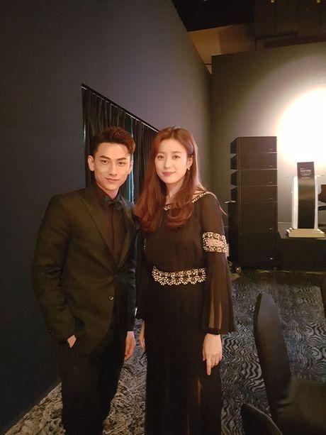 Issac nhan giai Ngoi sao moi tai Han Quoc - Anh 2