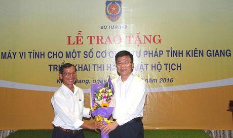 Bo Tu phap ho tro may tinh cho Kien Giang - Anh 1