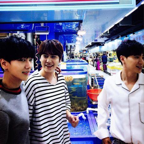 Sao Han 8/10: Lee Jong Suk mat nghiem tuc, Hyun Ah khoe xi tai sac so - Anh 9