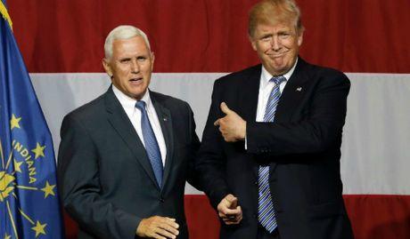 Pho tuong giup ong Trump cuu van hinh anh sau tranh luan truc tiep - Anh 1