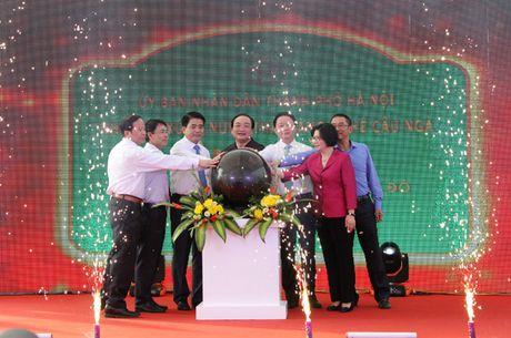 Ha Noi: Khanh thanh nha may xu ly nuoc thai dung pin mat troi - Anh 1