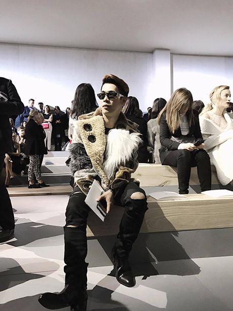 Stylist Viet hiem hoi duoc du show cua Christian Dior - Anh 3