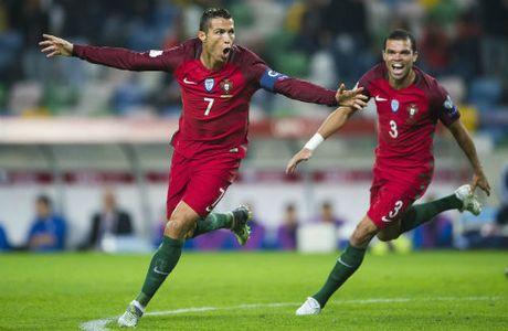 Ronaldo lap ky luc 4 ban: Va con tim da vui tro lai - Anh 1