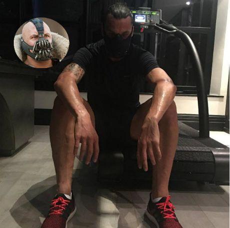 "MU: Ibrahimovic deo mat na ""di"", tap luyen dien cuong - Anh 1"