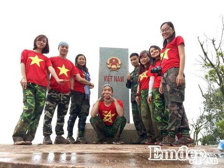 Chuyen 'hanh xac sung suong' chinh phuc cuc Tay A Pa Chai - Anh 8