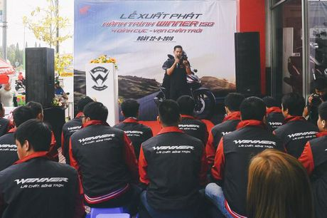 Hanh trinh Honda Winner 150 : 4 dinh cuc - Van chan troi - Anh 1