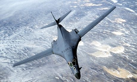 Trieu Tien cao buoc My uy hiep bang may bay nem bom B-1B - Anh 1