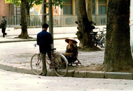 Chum anh hiem: Ha Noi ngheo kho nhung than thuong nhung nam 1990 - Anh 22