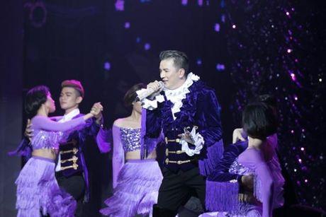 Dam Vinh Hung: 'Ong hoang mac dieu nhat showbiz Viet' - Anh 5