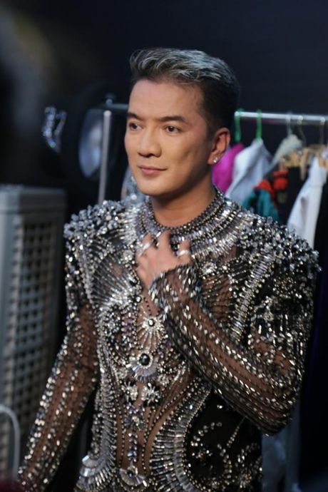 Dam Vinh Hung: 'Ong hoang mac dieu nhat showbiz Viet' - Anh 8