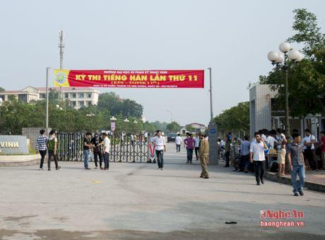 Gan 7500 lao dong do ve Vinh du thi tieng Han - Anh 1