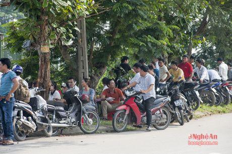 Gan 7500 lao dong do ve Vinh du thi tieng Han - Anh 8