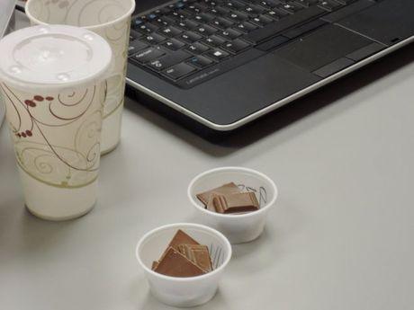 Viec nhan, luong cao: An thu chocolate cho hang san xuat keo? - Anh 5