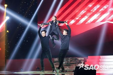 Liveshow 4: Chia tay 3 giong ca tiem nang, Top 6 The Voice Kids lo dien - Anh 10