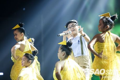 Liveshow 4: Chia tay 3 giong ca tiem nang, Top 6 The Voice Kids lo dien - Anh 19