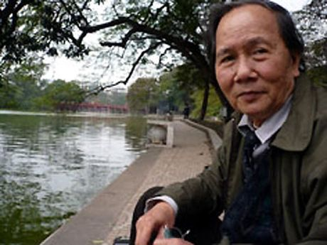 'Bun mang, chao chui' len CNN: Khi van hoa ban hang xuong doc - Anh 2