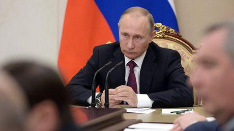 Tong thong Nga Putin sa thai hon 10 tuong canh sat - Anh 1