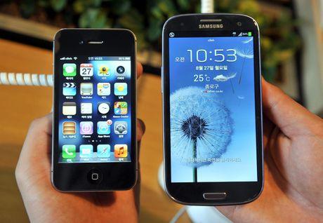 Samsung bi buoc boi thuong gan 120 trieu USD cho Apple - Anh 1