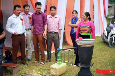 Len cho phien Mai Chau uong ruou ngo, thu do sach - Anh 3