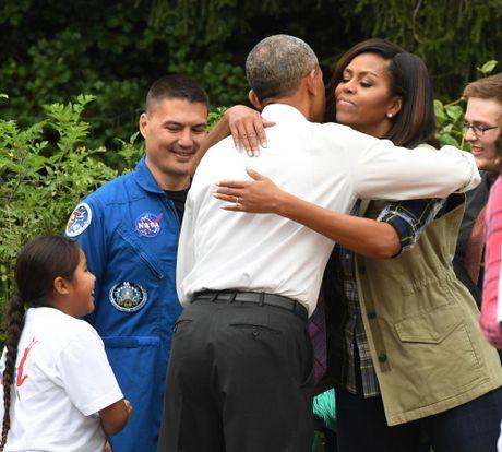 Chum anh: Nha Obama thu hoach vuon Nha Trang - Anh 10