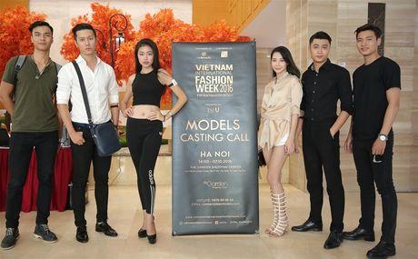 Dan mau 'khung' tham gia casting Tuan le thoi trang quoc te Viet Nam Vietnam - Anh 1