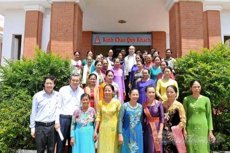 Chu tich Nguyen Thien Nhan va Doan cong tac tham lang det tho cam - Anh 11