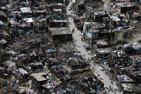 Gan 900 nguoi thiet mang o Haiti vi bao Matthew - Anh 1