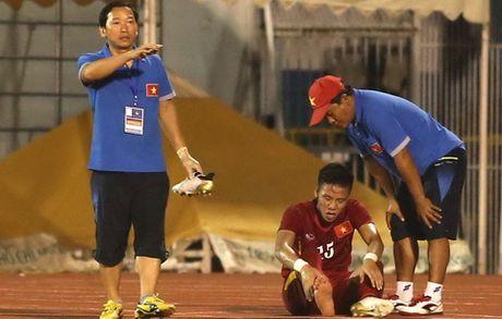 HLV Huu Thang nhan tin soc truoc them AFF Cup - Anh 1