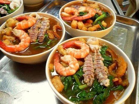 Diem danh nhung quan bun ngon nuc tieng cua Ha Noi - Anh 15