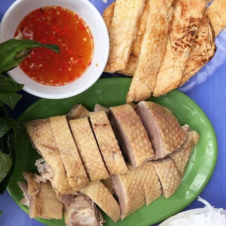 Diem danh nhung quan bun ngon nuc tieng cua Ha Noi - Anh 2