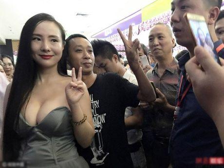 Can Lo Lo vat va chinh vay vi vong mot qua 'khung' - Anh 5