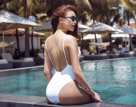 My nhan Viet qua sexy voi ao tam khoet hong cao tao bao - Anh 10