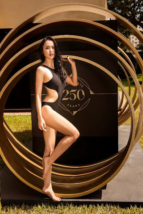 My nhan Viet qua sexy voi ao tam khoet hong cao tao bao - Anh 4
