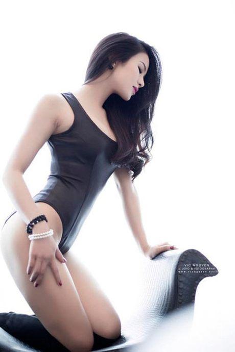 My nhan Viet qua sexy voi ao tam khoet hong cao tao bao - Anh 8