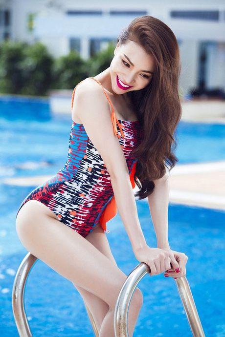 My nhan Viet qua sexy voi ao tam khoet hong cao tao bao - Anh 9