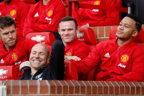 Rooney khong nen o Man Utd them nua - Anh 1