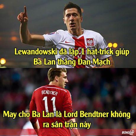 Anh che: LORD Bendtner ban phuoc lanh cho Lewandowski; Chicharito tat vao mat thuong hieu cua FC Thuoc Nhuom - Anh 1