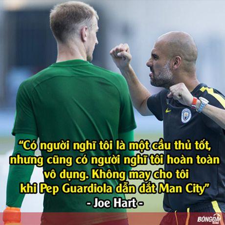 Anh che: LORD Bendtner ban phuoc lanh cho Lewandowski; Chicharito tat vao mat thuong hieu cua FC Thuoc Nhuom - Anh 5