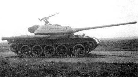 Loat anh hiem thu nghiem phien ban T-54 dau tien - Anh 1