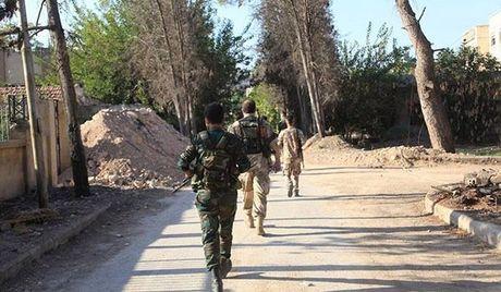 Quan doi Syria gianh duoc thang loi giua long thanh pho Aleppo - Anh 1