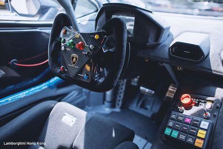 Sieu xe dua Lamborghini Huracan Super Trofeo 'hang khung' - Anh 6